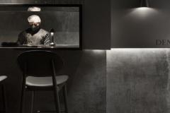 Fekete-beton-etterem-es-bar-Ujdelhiben-2