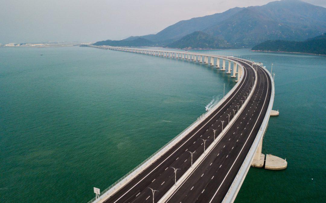 A világ leghosszabb tengeri hídja betonból