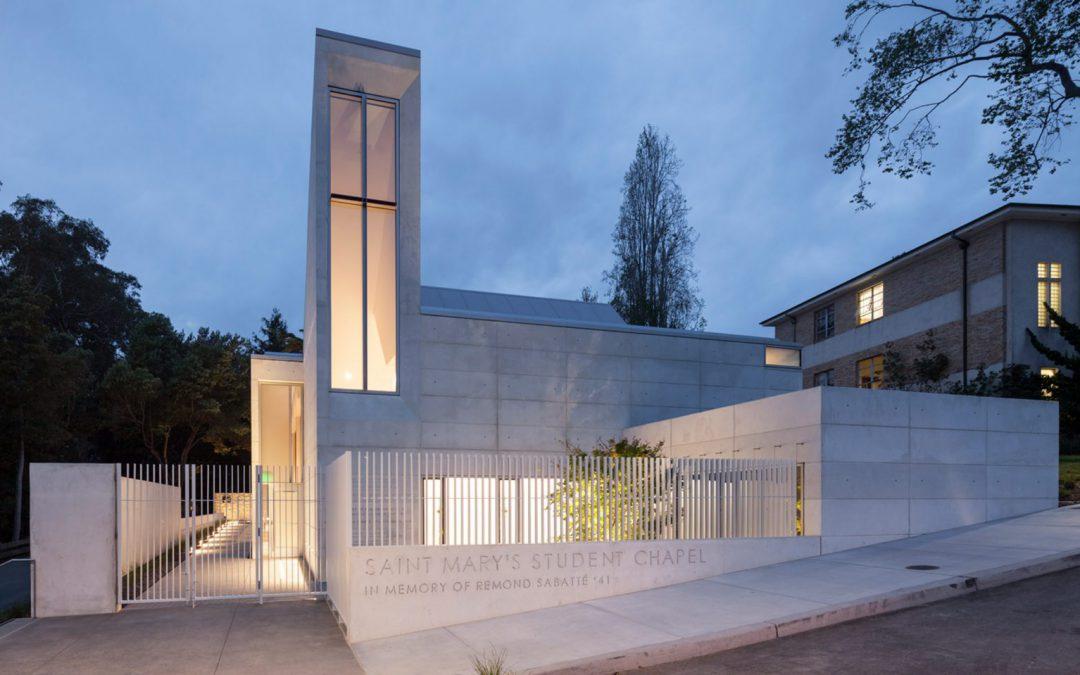Gyönyörű beton kápolna Kaliforniában